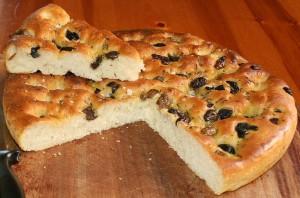 focaccia-aux-herbes-et-olives